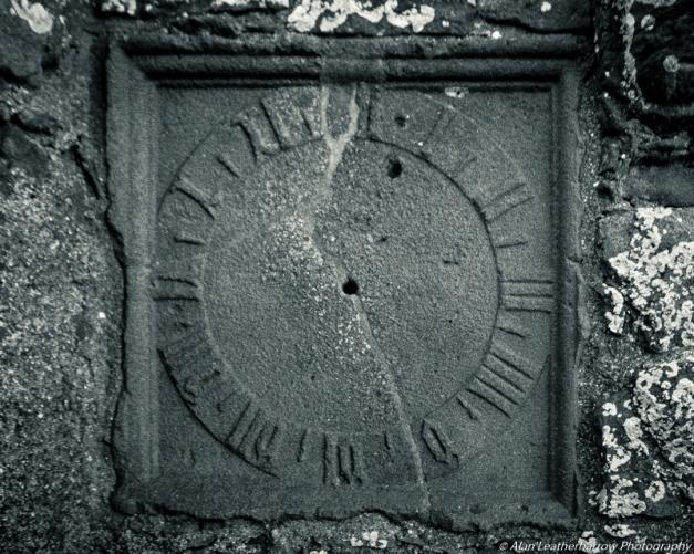sundial-8138
